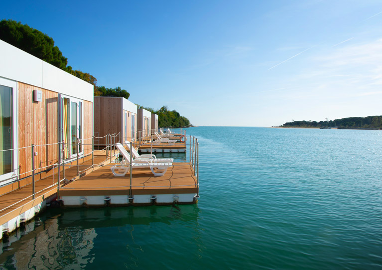 Floating resort - Esterno